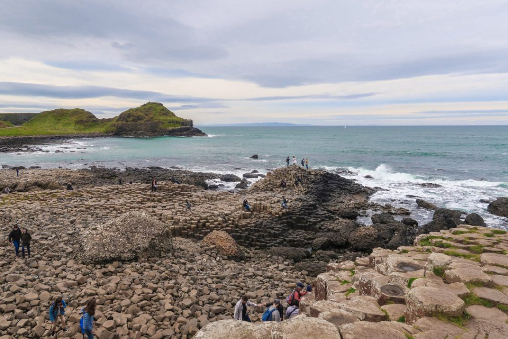 giants causeway people tourists